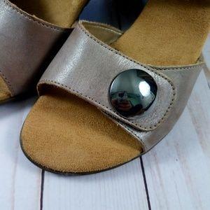 RIEKER Aileen Tan Velcro Heel Size 6.5